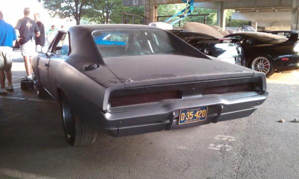 http://4.bp.blogspot.com/_Sah87Hs0SAI/TH2-70chH0I/AAAAAAAAAE4/pWPPKQJlVYA/s1600/Fast+Five+Cars+(7).jpg