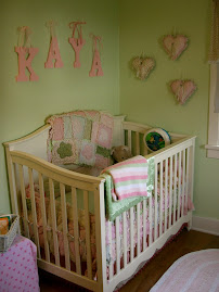 Kaya's crib and walhangings