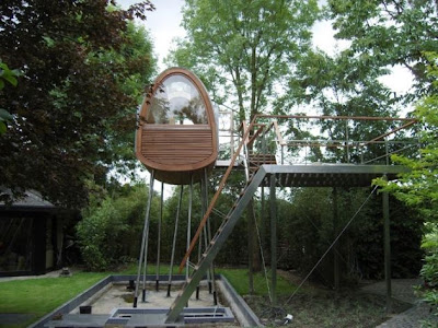 The Froschkönig Treehouse by Baumraum