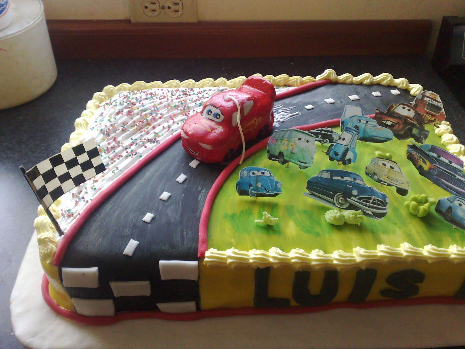 DE TODO UN POCO: TORTA DE CARS
