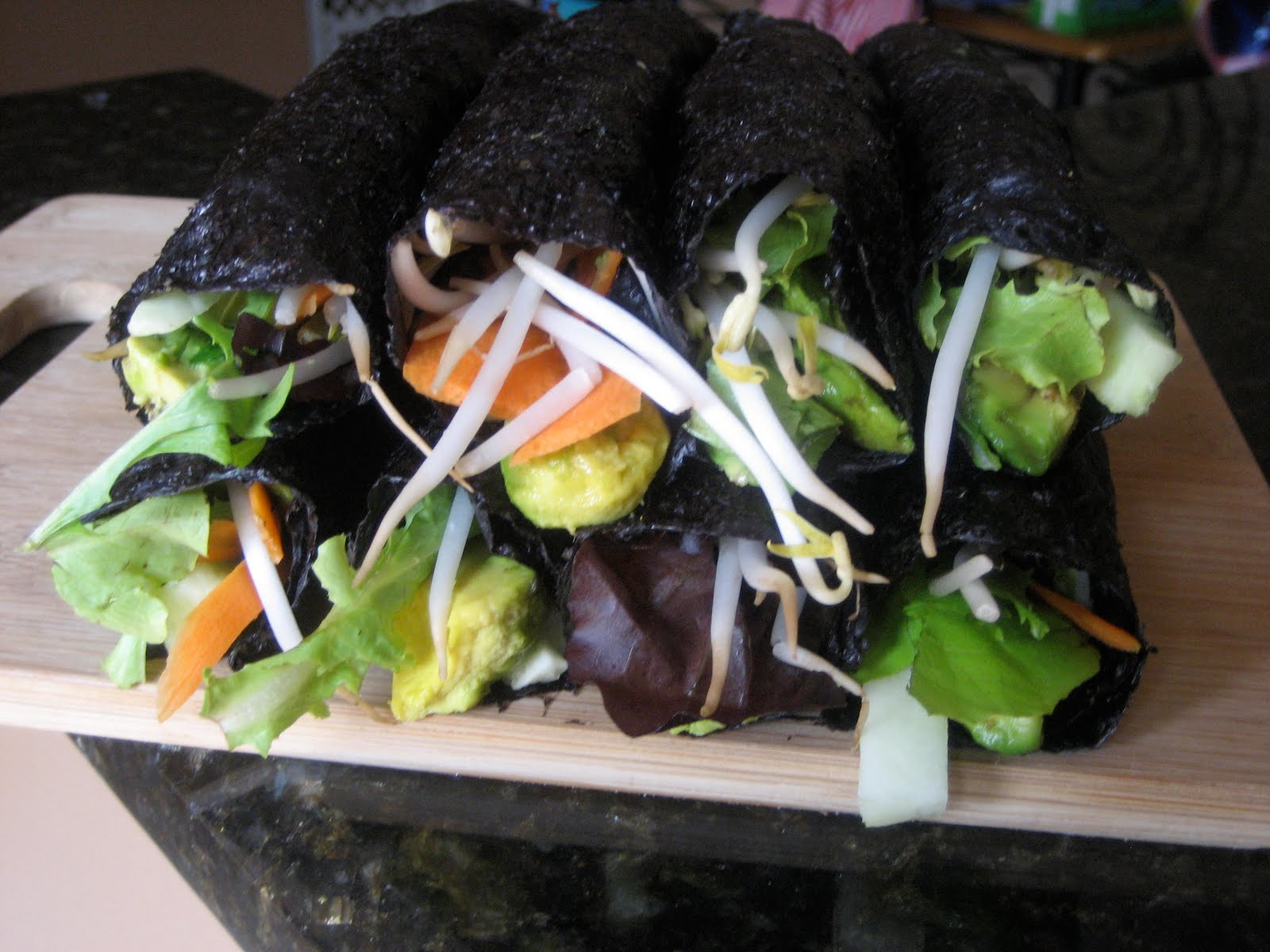 Our Raw Life: Vegetable Nori Rolls