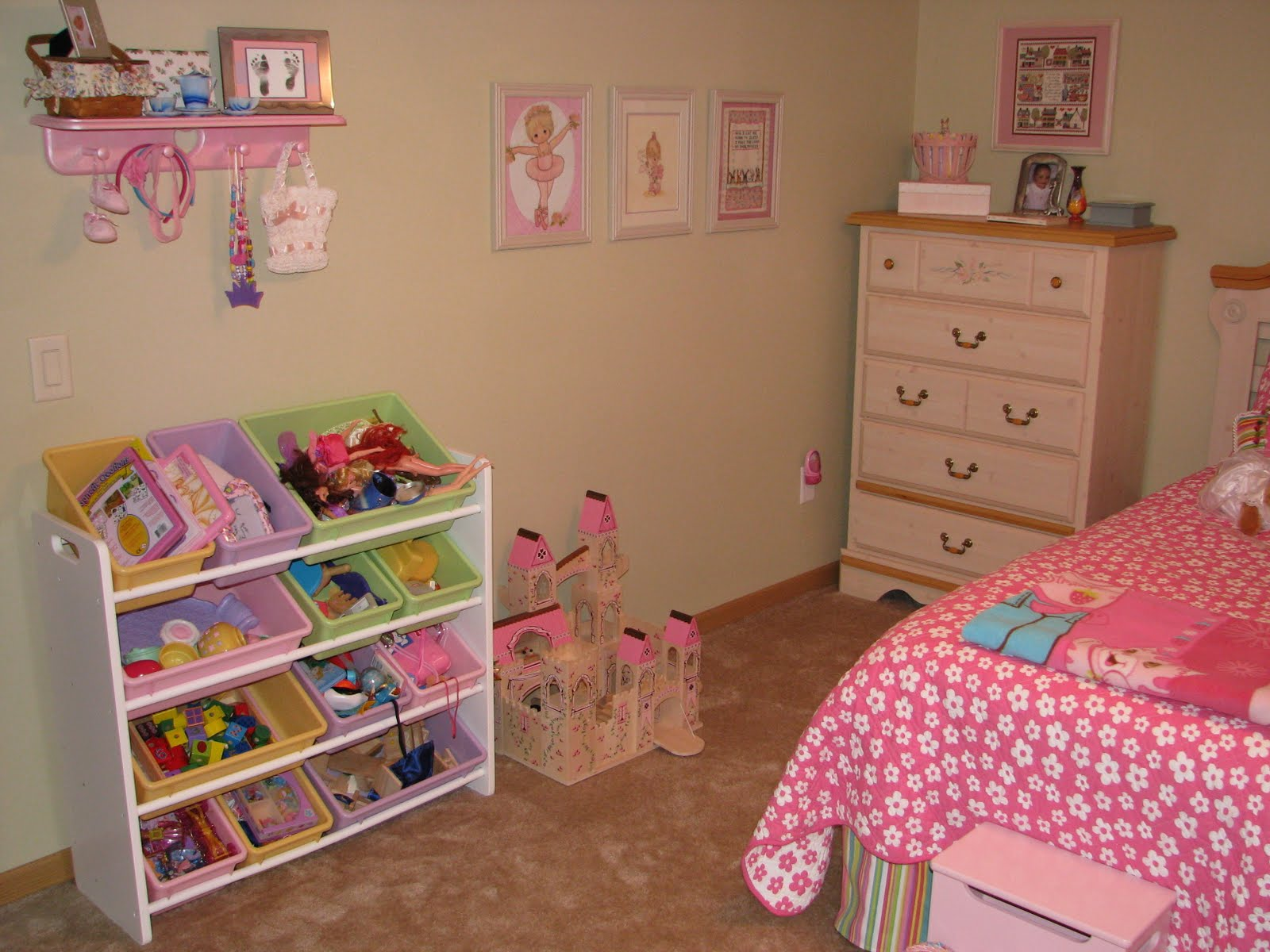 A tale of two three kiddies kids 39 new rooms for 6 year girl bedroom ideas