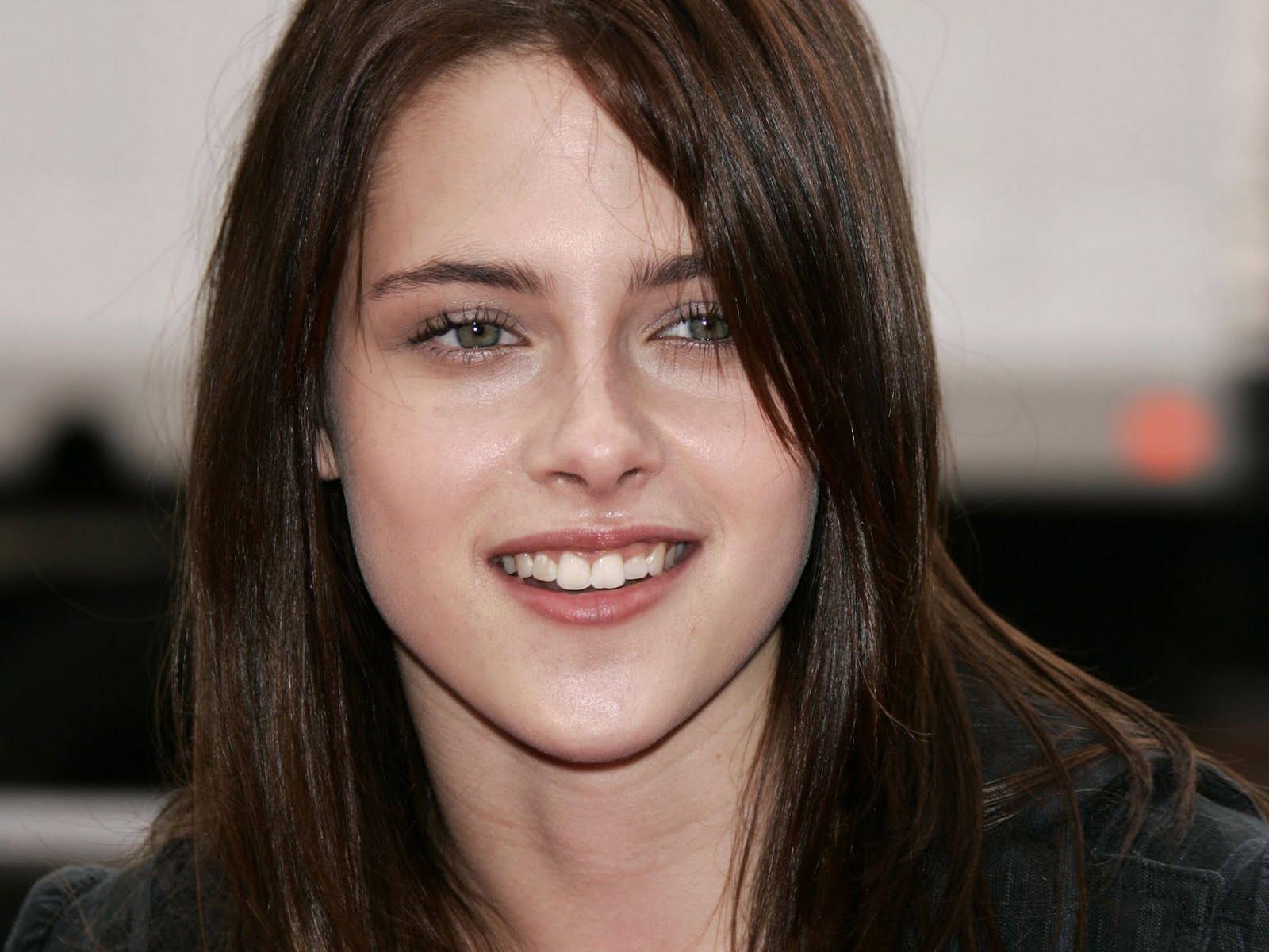 Kristen Stewart ,twilight breaking dawn