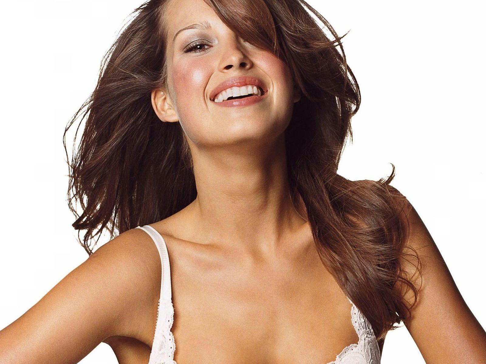 http://4.bp.blogspot.com/_Si7zjQmZnm4/SZxOZ8o2T3I/AAAAAAAACFI/302Gs_37bWU/s1600/Fullwalls.blogspot.com_Petra_Nemcova%286%29.jpg