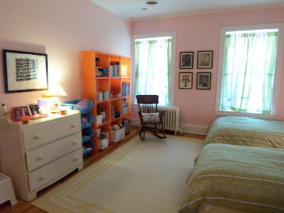 pink bedroom with orange Cubitec