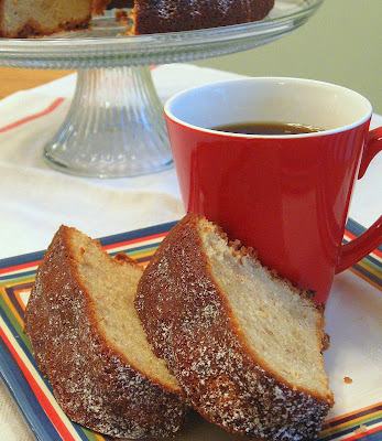 recipe: banana sour cream pound cake [32]