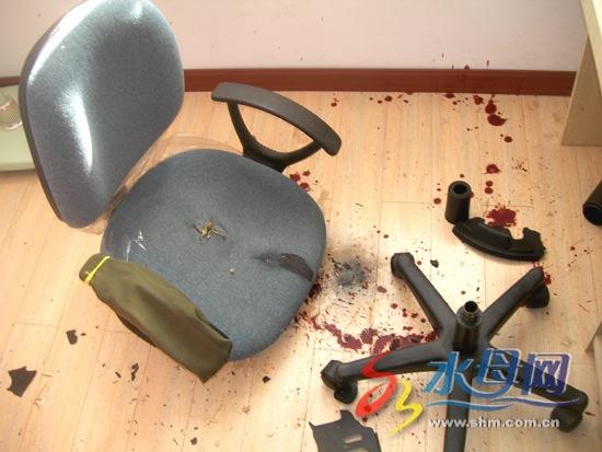 Levensgevaarlijk bureaustoel ontploft Vrouwennl : anl <strong>Black</strong> Chair from www.vrouwen.nl size 550 x 413 jpeg 73kB