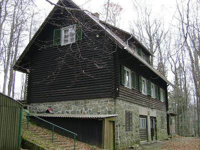 Župski dvor, drugo pročelje