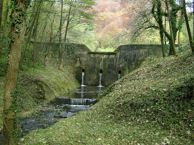Brana na potoku