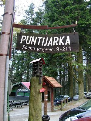 Ulaz u Puntijarku sa sljemenske ceste