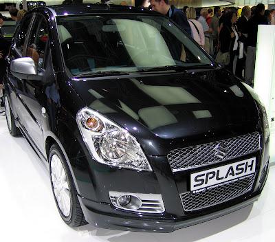 Suzuki Splash hitam