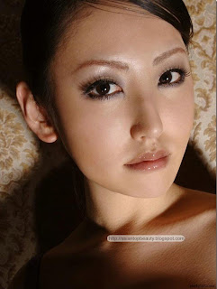 the asian beauty nao yoshizaki