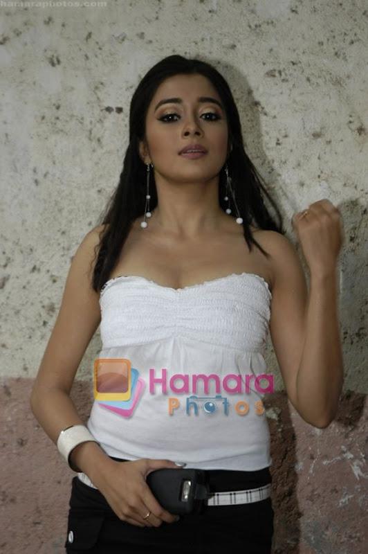 Television Serial Utraan Hot Actress Ichcha Hot Pictures