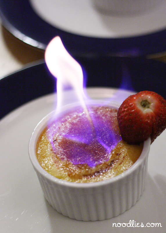 creme brulee how to eat
