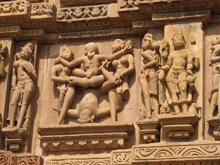http://4.bp.blogspot.com/_Srcmd_3aDug/TBzmfD2J9WI/AAAAAAAAAR8/N4rBnPK309s/s1600/1969712-kama-sutra-temple-0.jpg
