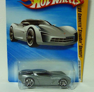Corvette Stingray  Wheels on Lxak S Miniature Garage  Hot Wheels Collection 2002 2011