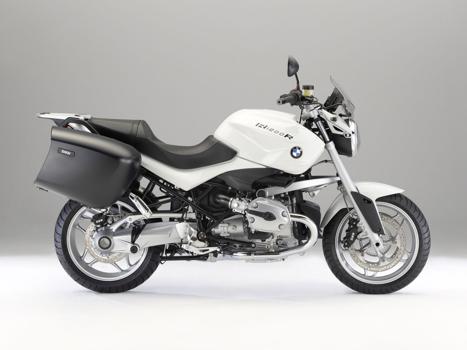 2010 bmw r1200r touring edition motorcycle wallpaper. Black Bedroom Furniture Sets. Home Design Ideas
