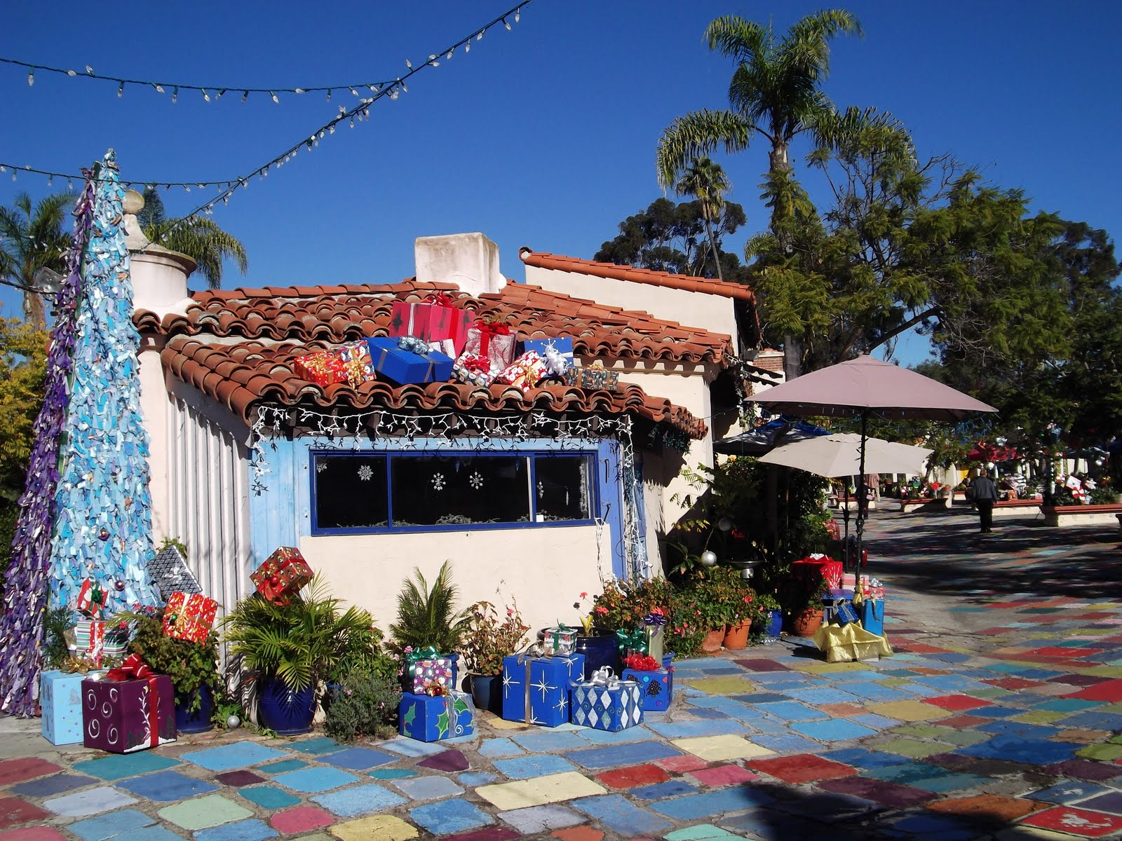 Spanish Village Art Center - Balboa Park: Ding Dong, Ding Dong...Christmas Bells Are Ringing!