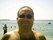 Antonio en la playa...