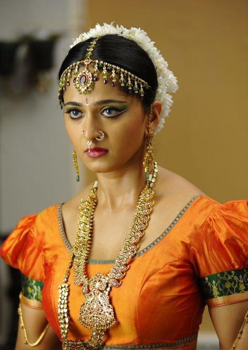 Anushka shetty in nagavalli