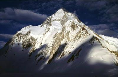 Bulgarian Climber Achieve Their Peak