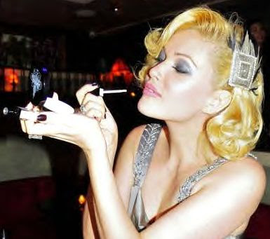 Being a former Miss USA, and Hollywood-gal-on-the-go, Shanna Moakler must ...