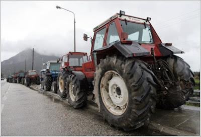Οι αντιεξουσιαστές αγρότες για τα μπλόκα