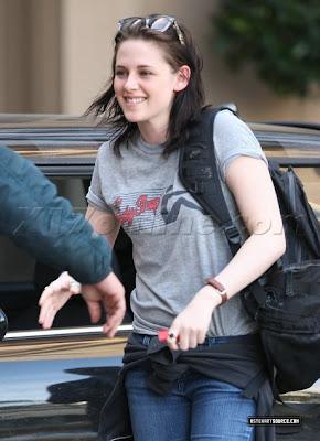 Robert Pattinson Intoxication on Robert Pattinson Intoxication  Robert And Kristen    Kiss Like This