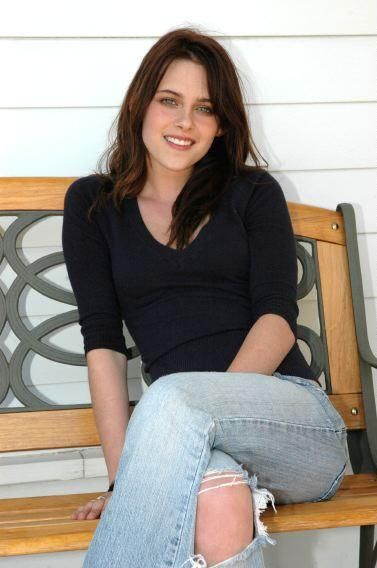 KRISTEN STEWART. 1_261649063l.jpg. JUST SMILING! THANK YOU SOOO MUCH GUY'S!