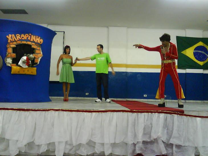 Show em escola com faxinildo, Valentina e Murilo, além claro do xaropinho