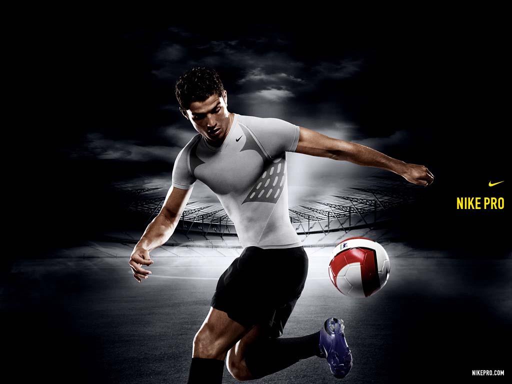 http://4.bp.blogspot.com/_T0UP2pQgRfA/THQ1d-BeGQI/AAAAAAAABIU/8xYH9W7jhFA/s1600/Cristiano+Ronaldo+Wallpaper+0106.jpg