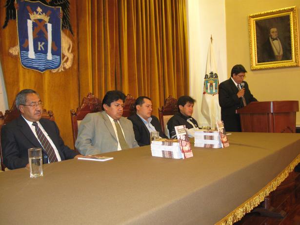PRESENTACIÓN EN EL SALÓN CONSISTORIAL DE LA MUNICIPALIDAD DE TRUJILLO
