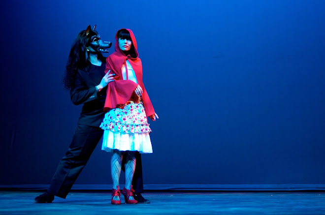 Little Red y El Lobo, Tango