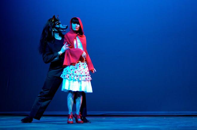 Little Red y El Lobo, Tango
