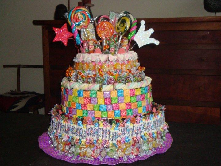 Tortas decoradas con golosinas - Imagui