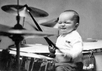 http://4.bp.blogspot.com/_T3exv6SHm0U/TPzm0_CfHOI/AAAAAAAABE4/psrTcD3kLKU/s400/little_drummer_boy.jpg