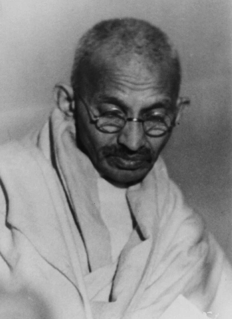 the life and death of mahatma gandhi Last days - books on the murder-conspiracy investigation and trial picturesjpg ( 3924 bytes) a pictorial biography of the life of mahatma gandhi and kasturba.