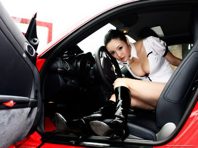 wallpaper cantik. wallpaper Sexy women On Car