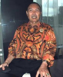 Iwan Tirta meninggal dunia