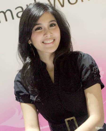 foto telanjang Sandra dewi beautiful female celebrity style