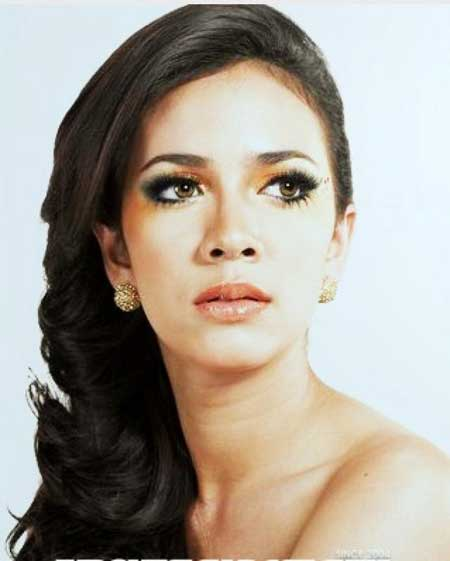 foto hot putri indonesia 2010  Nadine Alexandra Dewi Ame celebrity style