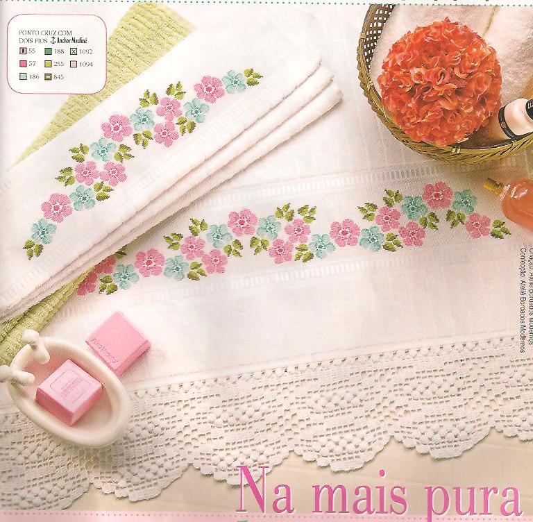 01  Toalha De Banho E De Lavabo   Flores Rosas E Azuis Em Ponto Cruz