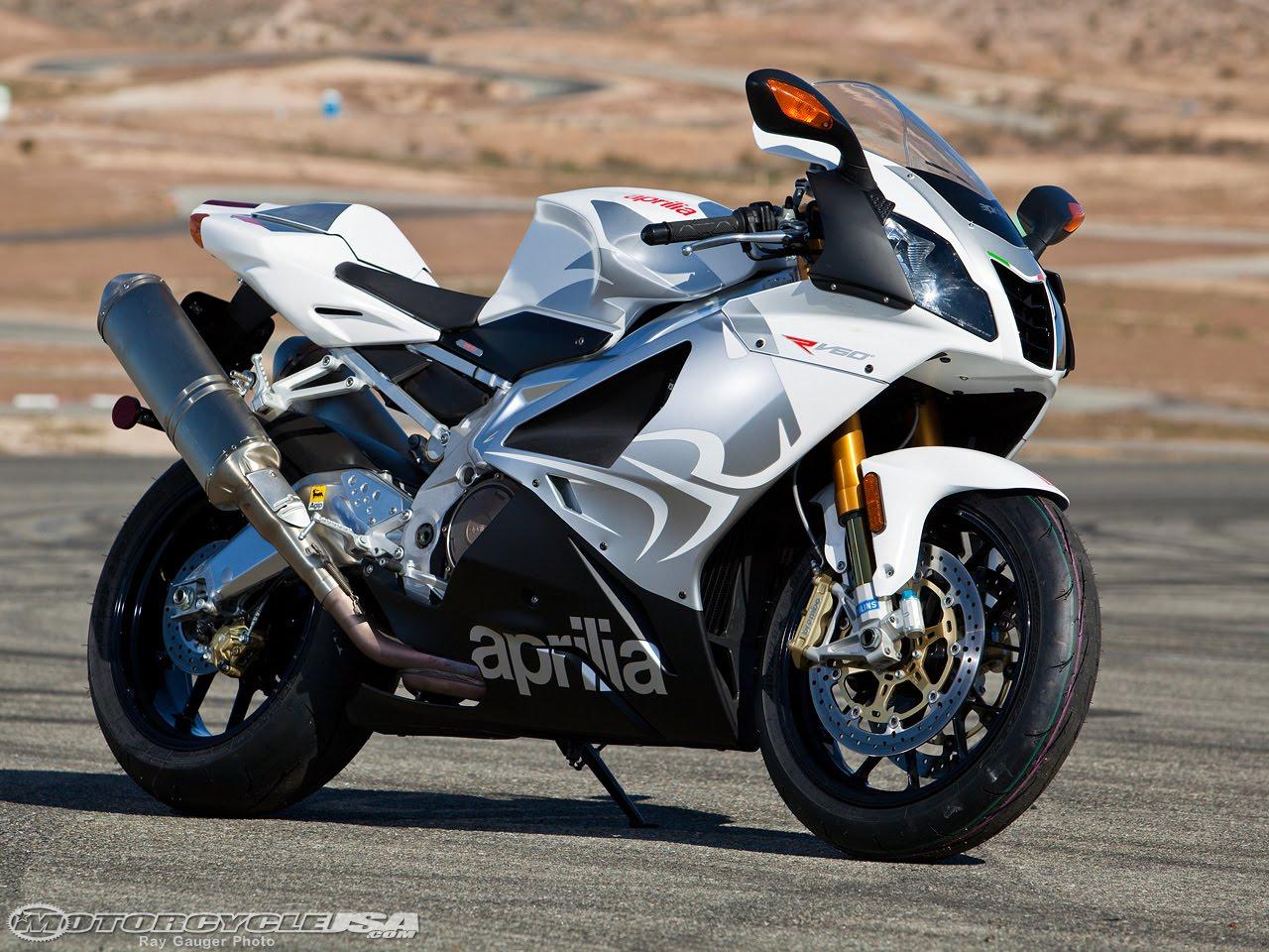 2010 Aprilia RSV 1000 R Motorcycle title=