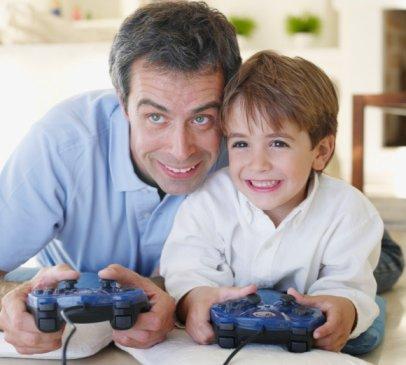 http://4.bp.blogspot.com/_T7VQ-48RDkg/TA1KEzklFWI/AAAAAAAAABQ/_wIZq4vACTo/s1600/padre_e_hijo_jugando_consola.jpg