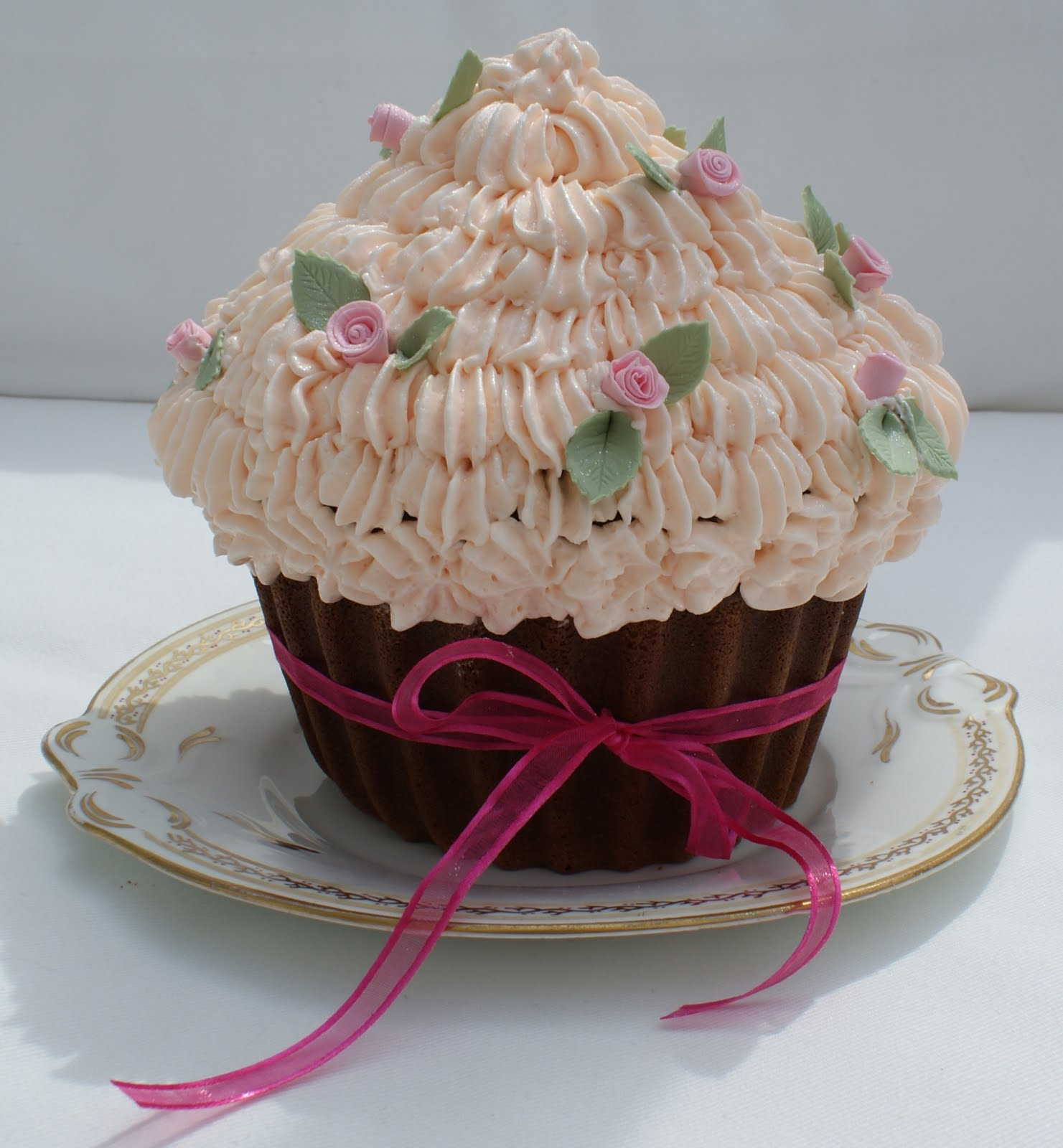 Big Cupcake Decorating Ideas