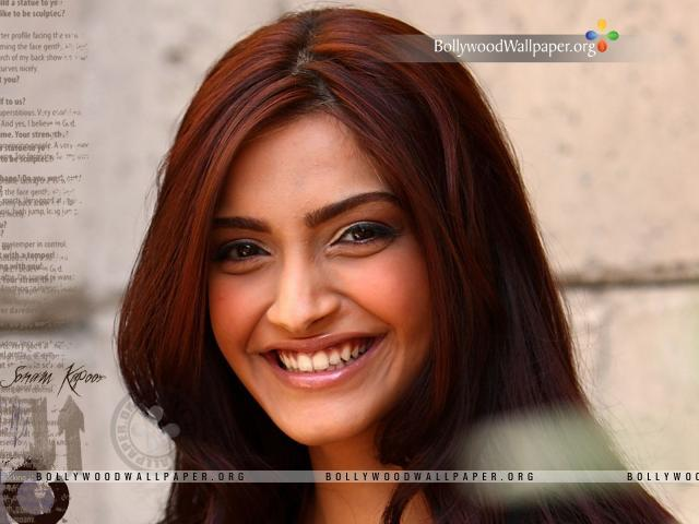 hd wallpapers of sonam kapoor. Sonam Kapoor Wallpapers 2011