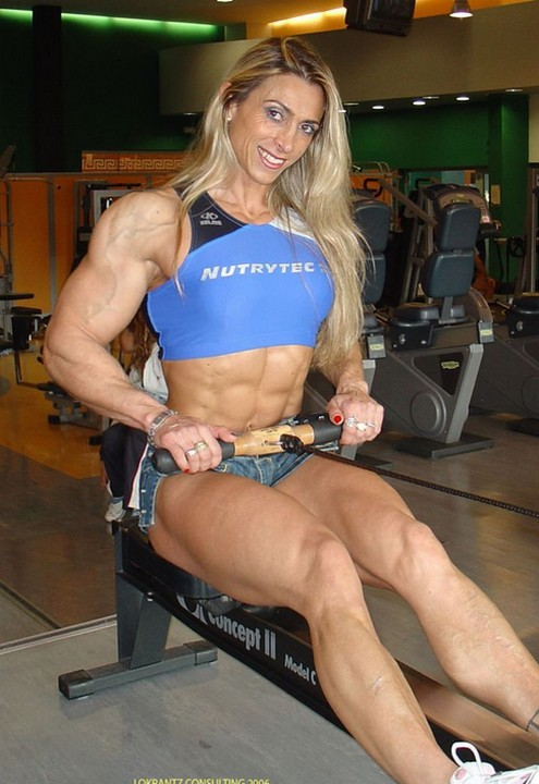Femmes bodybuilder trop muscles - Egrafla