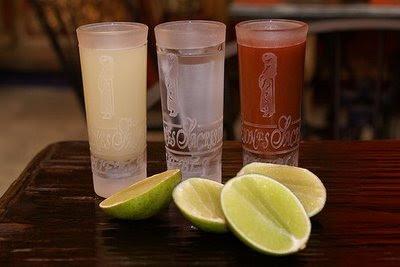 TABERNA TWILIGHT - Página 2 Banderita-tequila-any-given-day-mexico-city