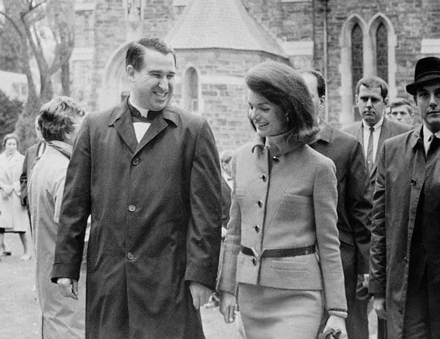 jackie kennedy blood stained suit. jackie kennedy blood stained