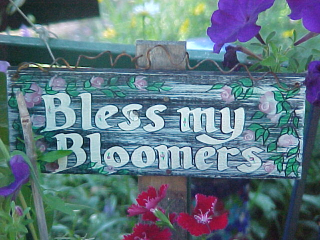 Make the best of things garden signs are blooming for Making things for the garden